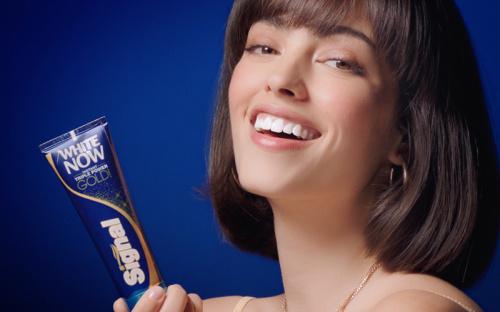 Signal Toothpaste Ad (Unilever)