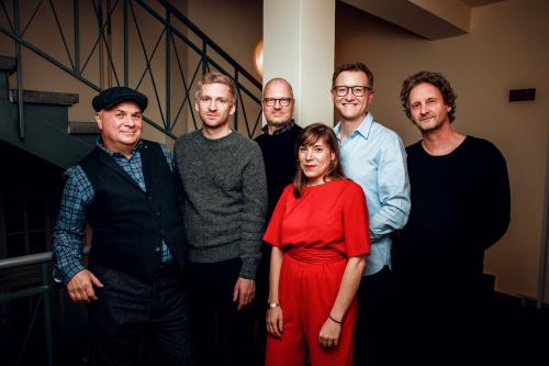Ólafur Arnalds signs to Bosworth Music