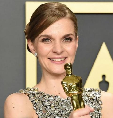 Hildur Guðnadóttir Wins Academy Award