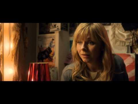 Sover Dolly på ryggen (Almost Perfect) - Hella Joof (DK, 2012)