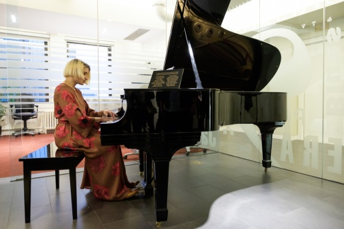 Newest Signing Heather Christian Performs at Exclusive Music Sales Corp. Reception