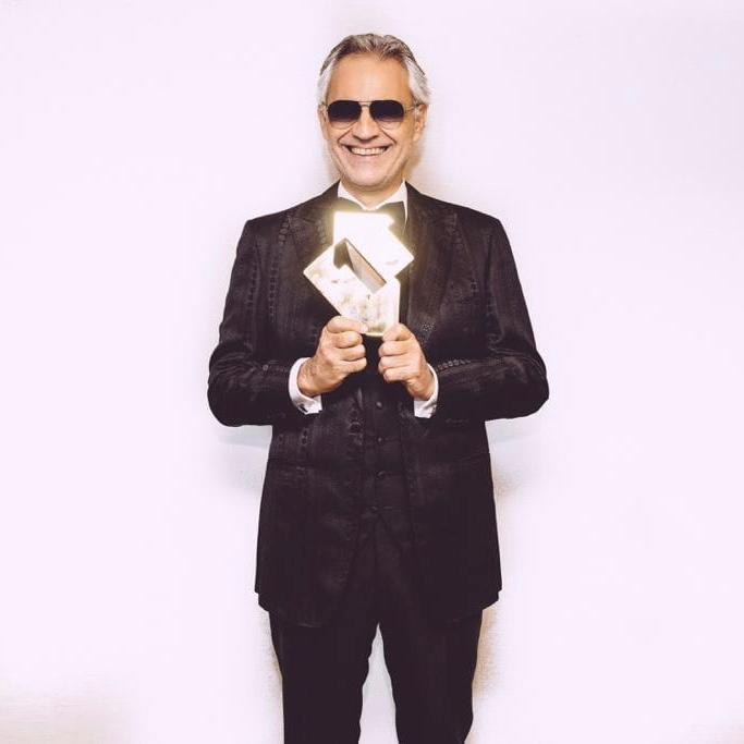 """Andrea Bocelli's Album """"Si""""Hits #1"""