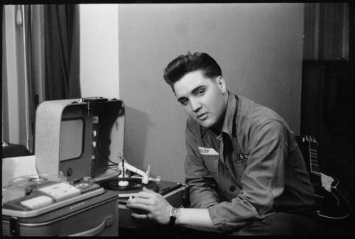 Elvis Receives the Presidential Medal of Freedom!